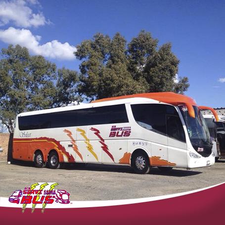 Vista de unidad de renta lateral de autiobuses en Mexico